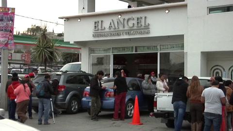 La tensa espera para identificar a las víctimas de la explosión de México