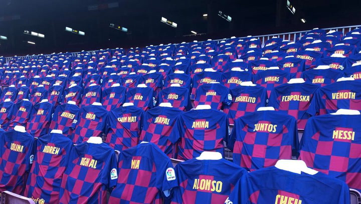 3.000 camisetas personalizadas en la grada para el Barça-Atlético