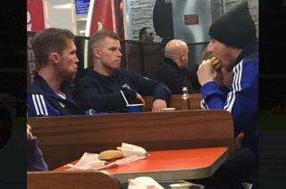 Insólito: El equipo europeo que celebra sus victorias en Burger King