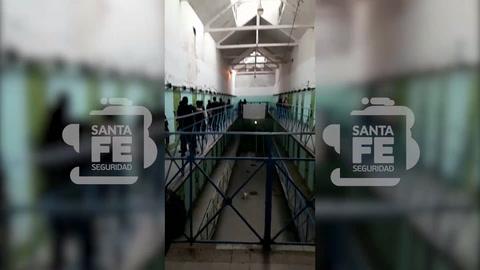 Hallan celulares y armas blancas en la cárcel de Coronda