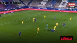 ¡'Choco' Lozano propicia el segundo gol del Cádiz ante el Eibar!