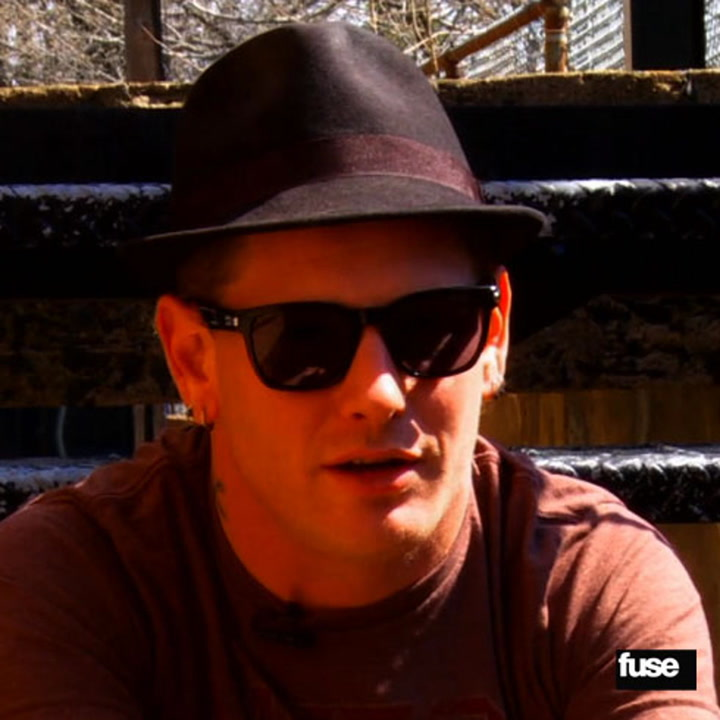 Behind The Scenes At Stone Sour's Pre-Show: Black Coffee & Fan Calls