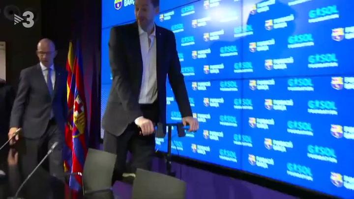 Pau Gasol llegó en patinete al acto de la Fundació Barça