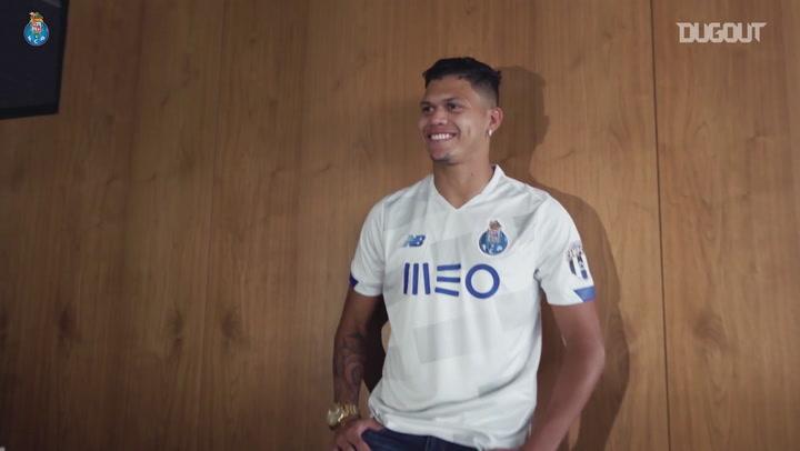 FC Porto unveil new signing Evanilson