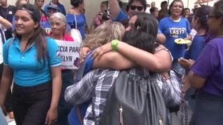 Absuelta salvadoreña acusada del homicidio de su bebé al parir