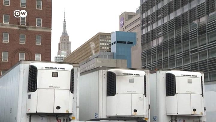 Camiones como morgues en Estados Unidos por la saturación de muertos por coronavirus