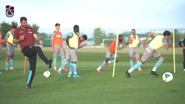 Trabzonspor volta a treinar na Turquia