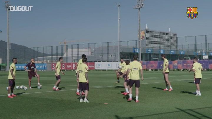 Barcelona treina para retorno do Campeonato Espanhol