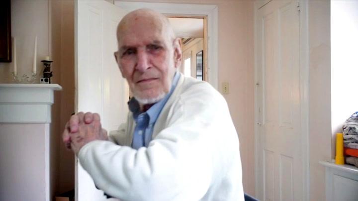 Bestefar rundlurt av «spøkelse»