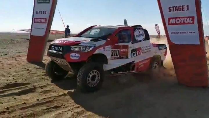 Salida de Fernando Alonso en la primera etapa del Dakar 2020