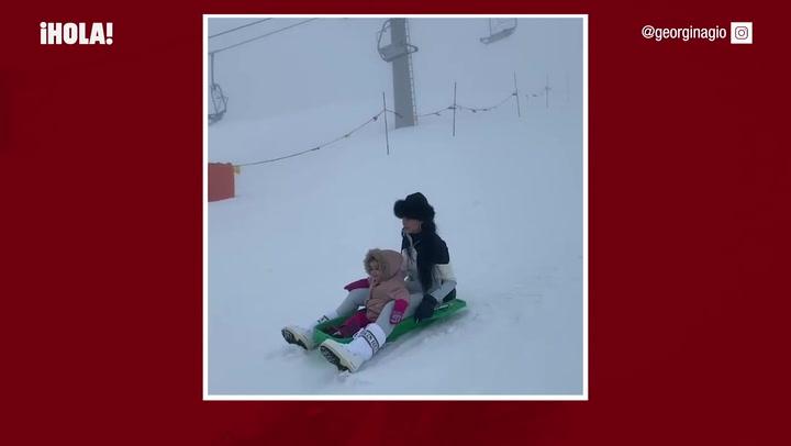 Georgina Rodríguez, en la nieve con sus niños