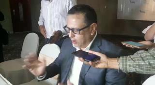 Arnaldo Bueso, ministro de Educación, habla sobre la problemática