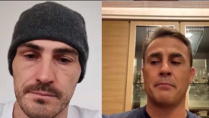Cannavaro le explica a Iker Casillas su experiencia con el coronavirus en China