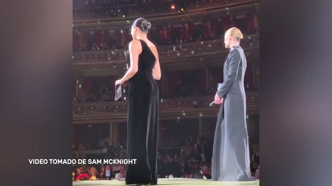 Meghan Markle luce su embarazo en los British Fashion Awards 2018