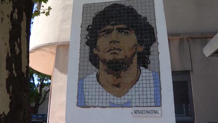 Argentina: instalan murales para honrar memoria de Maradona