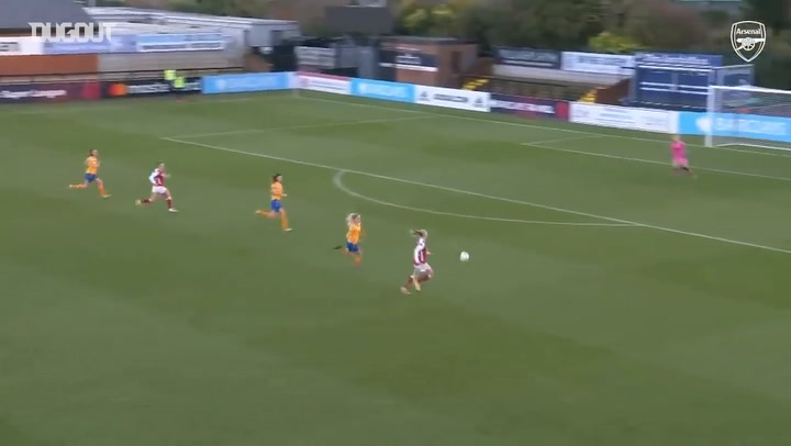 Mead curls home fantastic effort vs Everton