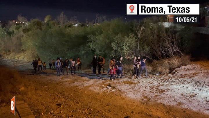 Migrants Stream into South Texas Border Town at Night