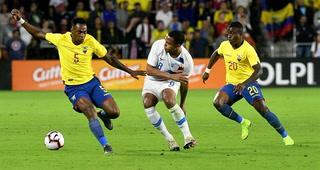 Estados Unidos derrota  1-0 a Ecuador con gol de Gyazi Zardes