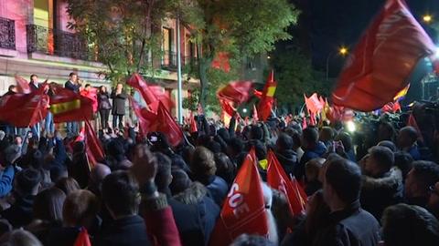 Sánchez logra ajustada victoria en España y la extrema derecha se dispara