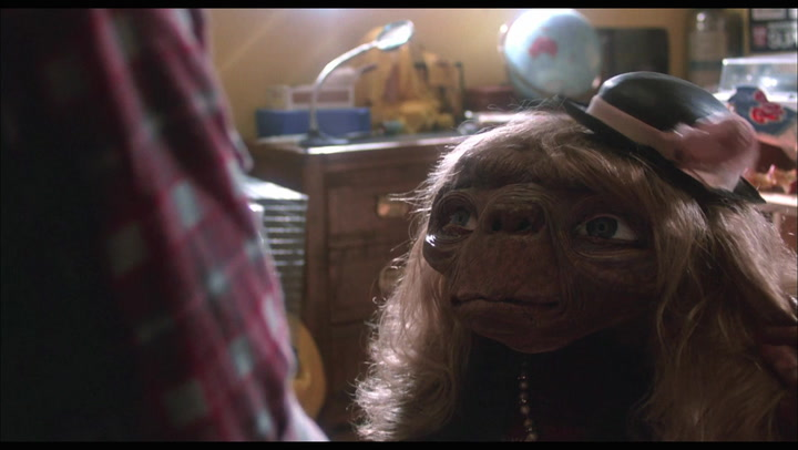 E.T. The Extra-Terrestrial - DVD Clip No. 1