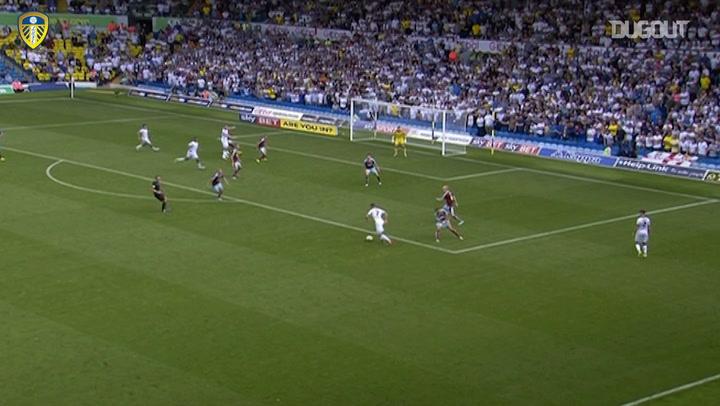 Antenucci's stunner sinks Burnley