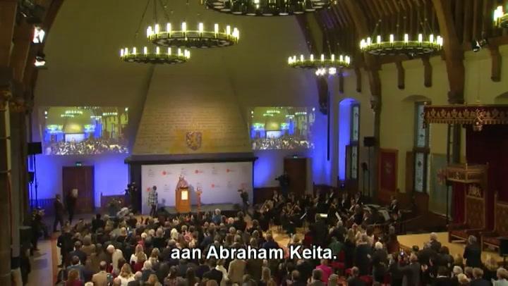 http://www.zie.nl/video/schattig/Puppys-gaan-van-glijbaan/xq8zq8jfl7r1#