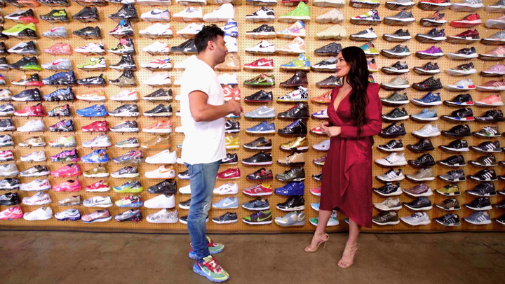 Nikki Bella: Sneaker Shopping