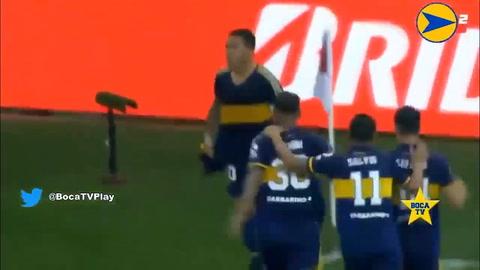 Tévez dedica emotivo homenaje a Maradona con camiseta de Boca Juniors