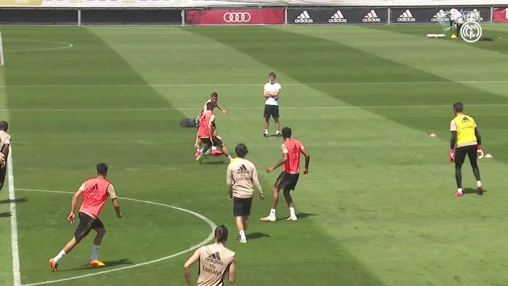 Entrenamiento del Real Madrid para preparar el partido ante el Valencia