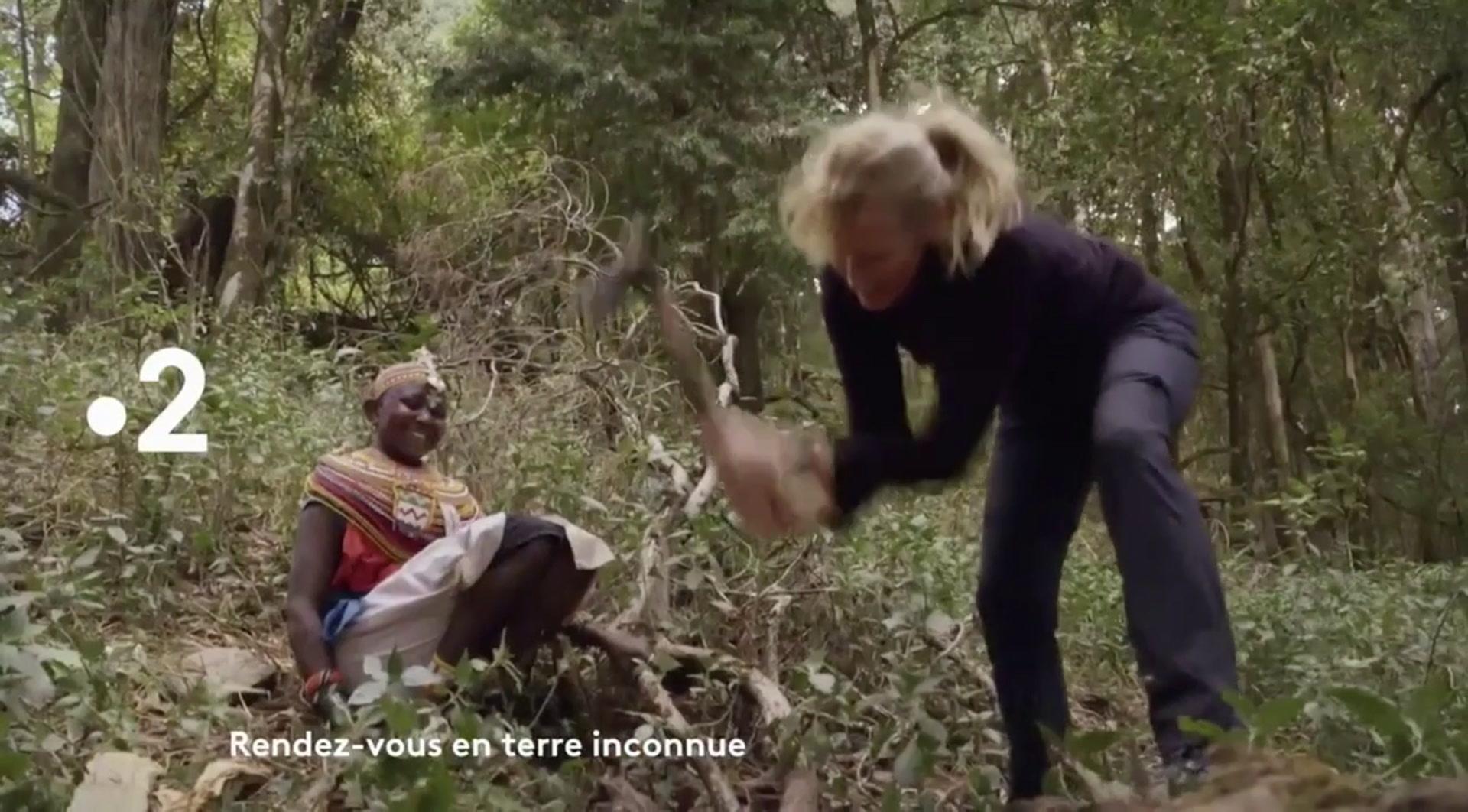 Rendez-vous en terre inconnue : Estelle Lefébure chez les Samburu