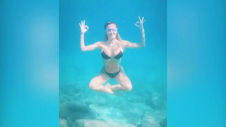 Diletta Leotta practica submarinismo durante sus vacaciones