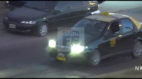 Las imágenes de la persecución y el violento choque de un taxi robado
