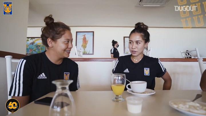 Vania Villalobos y Greta Espinoza recuerdan su divertido incidente