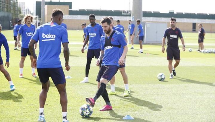 Messi ya se entrena con el grupo