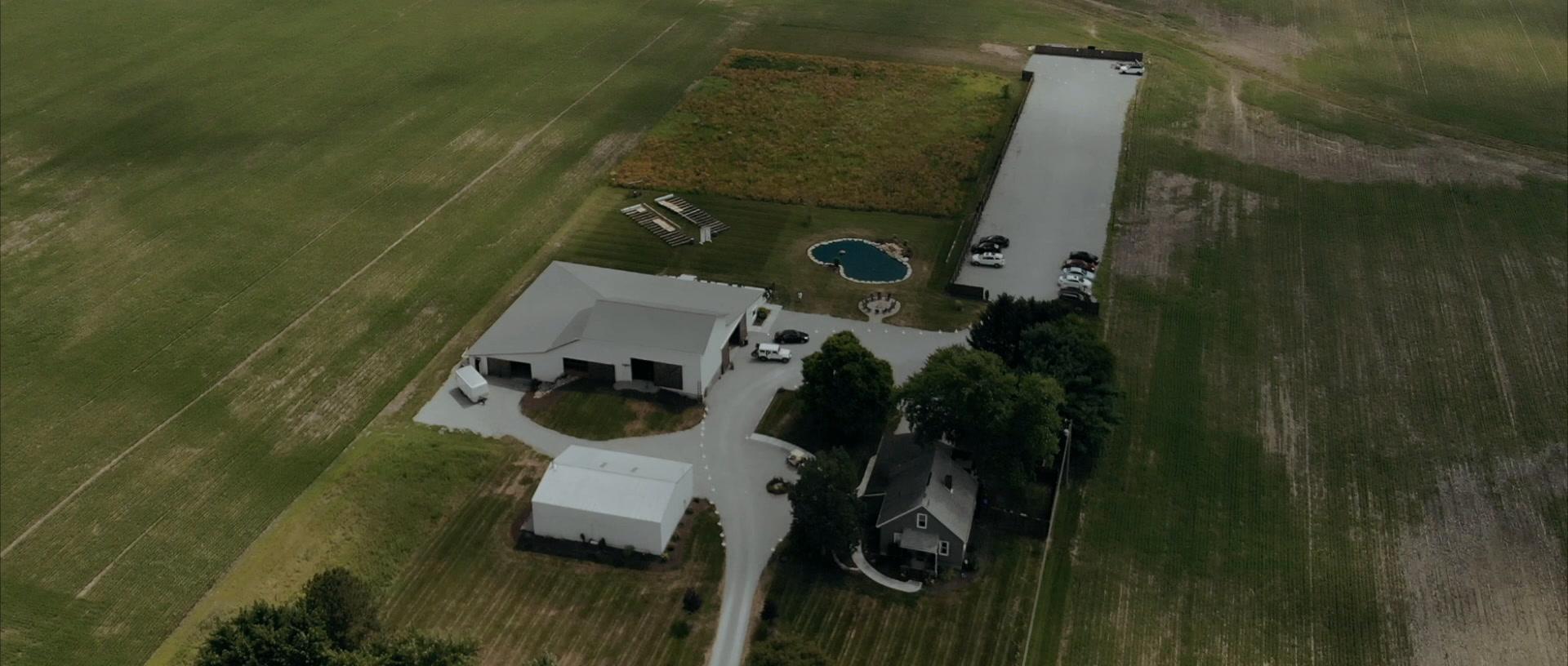 Morgan + Austin | Piqua, Ohio | The Buckeye Barn