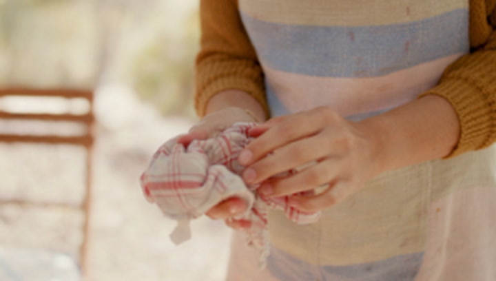 """Bacteria in kitchen towels """"can play a role"""" in contaminating food, study finds"""