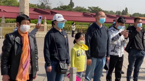 China rinde homenaje a las víctimas y