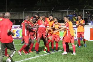Vida le saca el triunfo a Real Sociedad en el último minuto y le opaca la fiesta en Tocoa