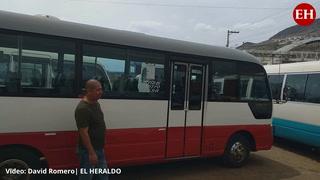Conductores de buses rapiditos en la capital exigen pago del bono