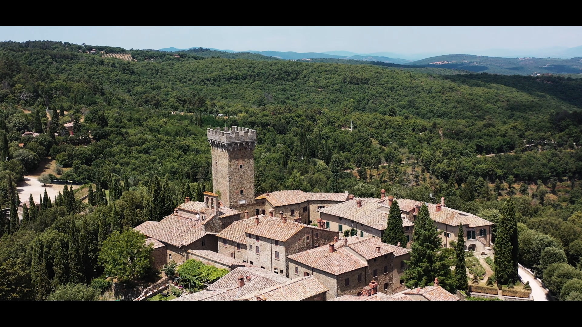 Ben + Sarah | Gargonza, Italy | Castle