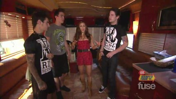Festivals: Warped Tour: Attack Attack! Give Fuse The Grand Bus Tour - Warped 2011