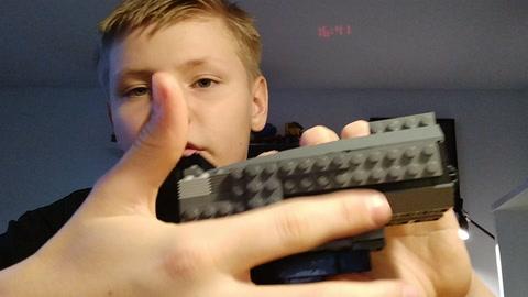video-item