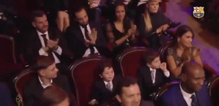 Mateo Messi, eufórico tras ganar su padre el Balón de Oro
