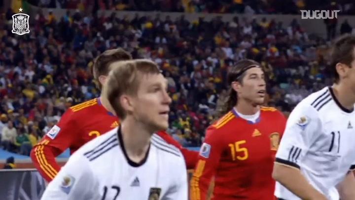 El decisivo gol de cabeza de Puyol ante Alemania