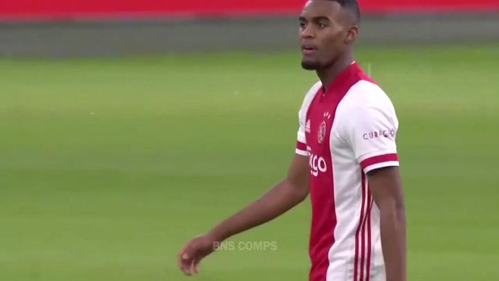 Los mejores goles, jugadas y asistencias del joven talento del Ajax Gravenberch (2021)