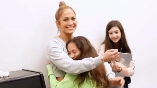 Stjernas datter overrasker med fantastisk sangstemme