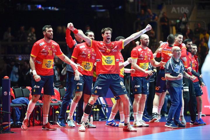 España celebra su victoria en el Europeo de balonmano