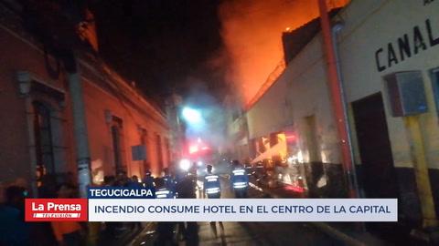Voraz incendio consume el hotel Caxa Real en Tegucigalpa