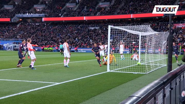 Madness when Cavani scored the record goal !