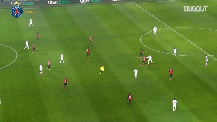 Neymar's incredible back-heel nutmeg vs Lille OSC